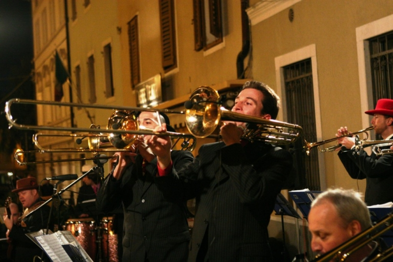 Bumbaca Gorizia    Jazz&Wine, big band Gone with the Swing © Foto di Roberto Coco